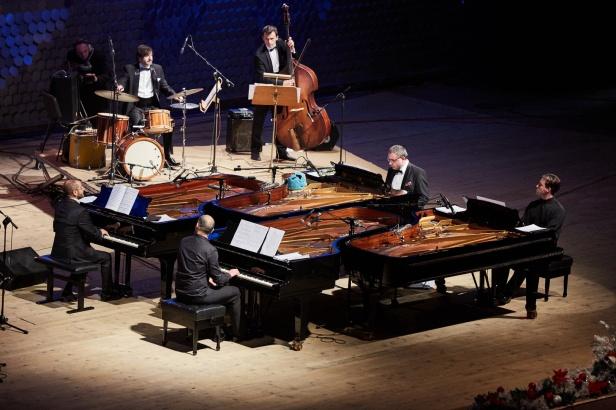 4 pianists